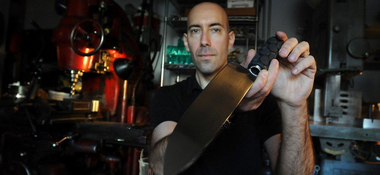 adam simha knife pic