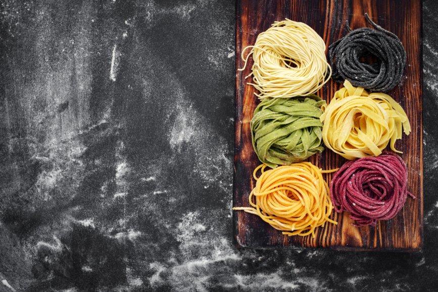 shutterstock_hand rolled pasta workshop